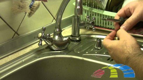 Замена крана на кухне