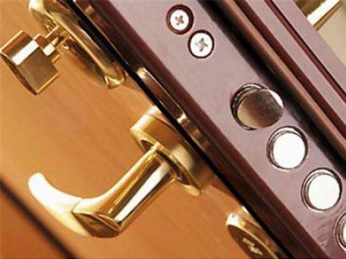 Стальные входные двери с качественными замками - компонент системы безопасности квартиры