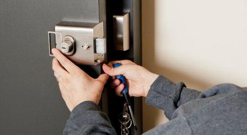 Вскрытие дверей: помощь в сложной ситуации