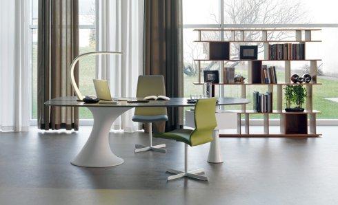 Выбор письменных столов из Италии