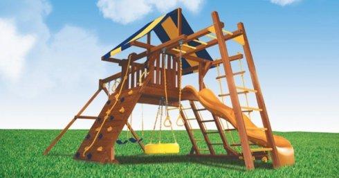 Детский городок из дерева: лесенки, турник и горки